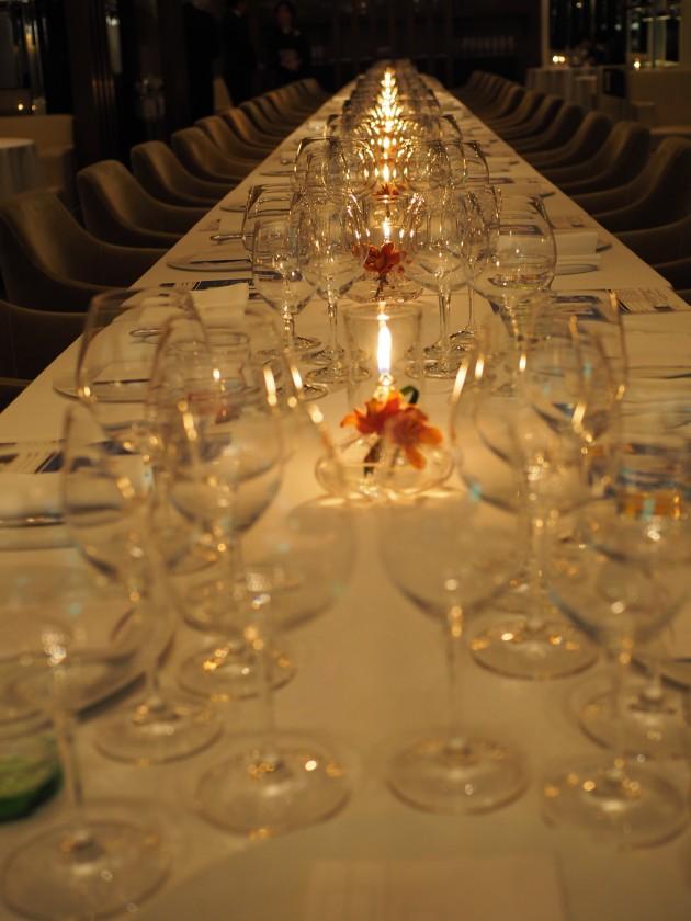 夜景に囲まれての晩餐会